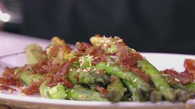 Rápida y llena de sabor: no creerás lo sencilla que es esta receta de espárragos con prosciutto