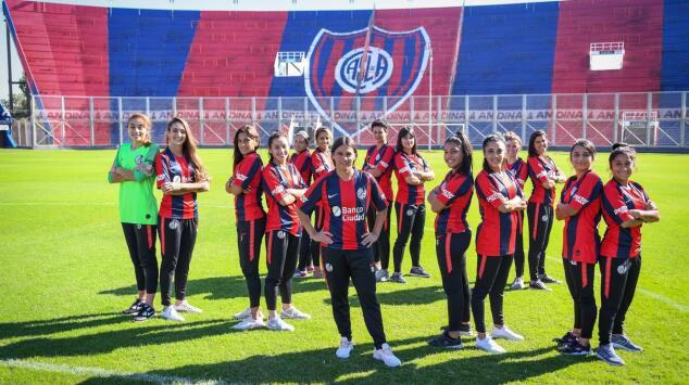 San Lorenzo hace historia al entregar contrato a 16 de sus jugadoras