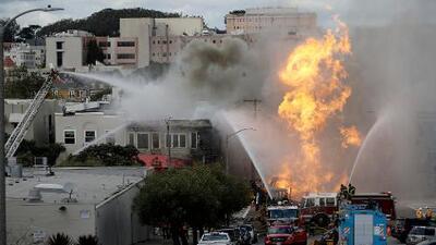 Explosión por fuga de gas en San Francisco provoca incendio en cinco edificios