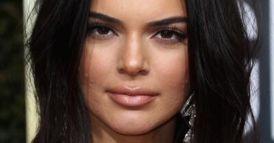 Con una grosería, Kendall Jenner calla a los que se burlan de su acné