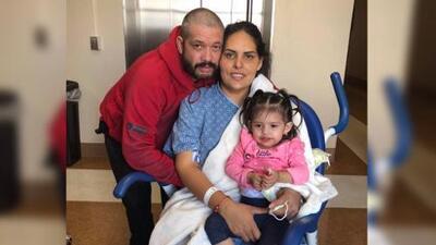 """""""No me rendiré, no moriré, con la ayuda de Dios saldré de esto"""": Le dieron dos semanas de vida, pero sigue luchando contra el cáncer 11 meses después"""