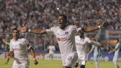 Olimpia consigue dramáticamente su pase a las semifinales de la Liga Concacaf