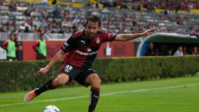 Álvaro González fue operado de la rodilla satisfactoriamente