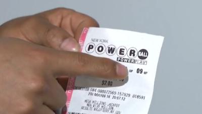 Ecuatoriano indocumentado gana $50,000 en el Powerball
