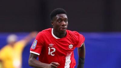 """Alphonso Davies, """"devastado"""" por no poder jugar con la selección de Canadá"""