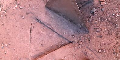Ambientalistas retiraron monolito del desierto de Utah para evitar un mayor daño ambiental