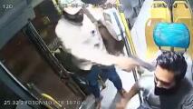 La impresionante defensa de un chofer cuando un hombre armado intentó robarle