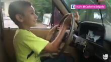 Captan a un niño de 11 años manejando por Sinaloa y el autor del video defiende a los papás