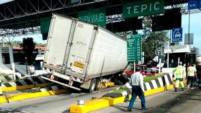 Banda de regional mexicano sufre aparatoso accidente