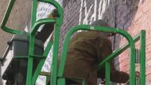 Vandalizan nuevamente el mural del joven Adam Toledo en La Villita