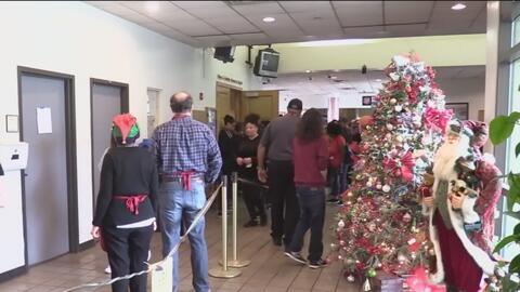 Ejército de Salvación de Dallas organiza un evento navideño para compartir con los más necesitados