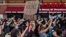Crece la tensión en varias ciudades del país ante la ola de las protestas contra la brutalidad policiaca
