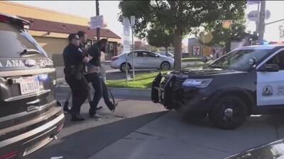 Un peligroso pandillero en libertad condicional: policía identifica al sospechoso de matar a puñaladas a 4 personas en California