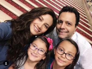 ¿A quién se parecen más las hijas de Omar y Argelia?