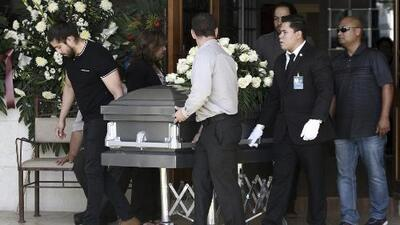 Dan el último adiós a la maestra Elsa Mendoza en Juárez, quien murió en el tiroteo en El Paso