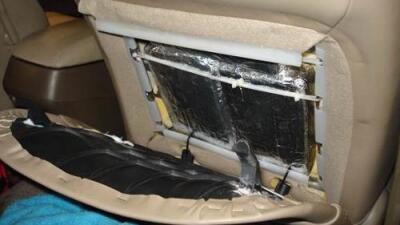 Descubren casi 40 libras de cocaína en un vehículo lleno de niños