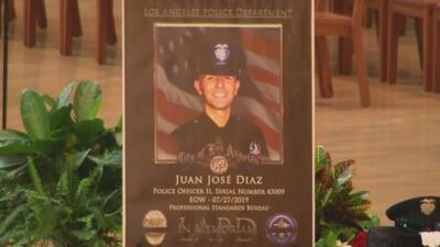 Realizan el funeral del oficial de Los Ángeles que murió tras enfrentar a un pandillero