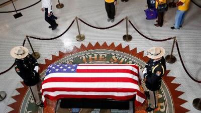 Los funerales de John McCain: cuándo, dónde y cómo seguirlos en directo