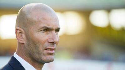 """Zinedine Zidane: """"James se va a quedar"""""""