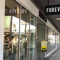 En Forever 21 hay artículos a $5 dólares tras anuncio de cierre de tiendas en California