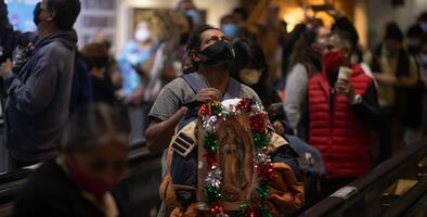 """Funcionarios de salud """"suplican"""" a la comunidad latina no salir a celebrar a la Virgen de Guadalupe"""