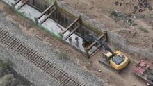 Reporte: el tramo del muro fronterizo construido con fondos privados podría derrumbarse
