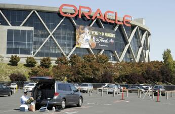 Los Warriors se despiden de Oracle Arena tras 47 años de vida de ese recinto