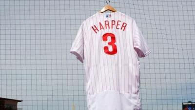 Superó a LeBron: nuevo jersey de Bryce Harper impuso marca en ventas