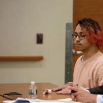 Joven hispano es condenado a 14 años en prisión tras apuñalar a dos compañeros de clase, y matar a uno de ellos