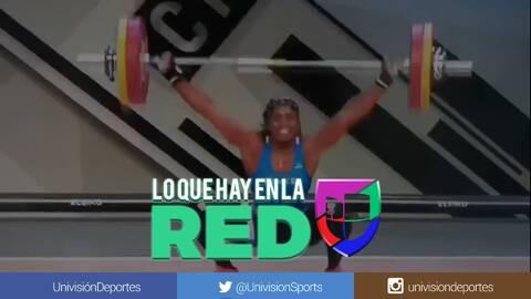 ¡Imágenes fuertes! Francesa sufre escalofriante lesión en campeonato de halterofilia