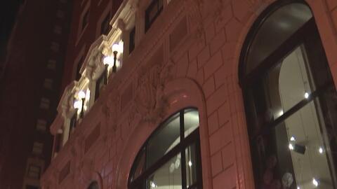 Una mujer de 20 años denunció ser perseguida por hombre hasta baño en un hotel