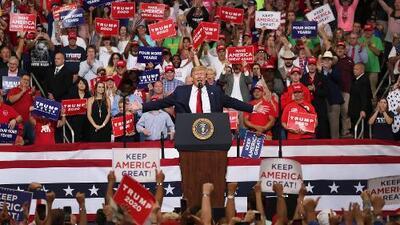 """""""Respaldamos los pueblos de Cuba y Venezuela en favor de su lucha por la libertad"""": Trump en el lanzamiento de su campaña en Orlando"""