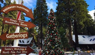 En fotos: Así es la renovada villa de Santa Claus en California