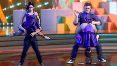 En fotos: El Dasa y el pasito con el trasero de su bailarina
