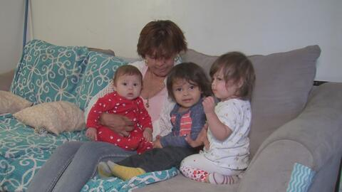 Una campaña busca ayudar a padres de bajos recursos a reencontrarse con sus hijos que fueron adoptados