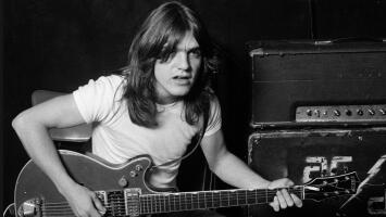 Llora el mundo del rock: Malcolm Young, guitarrista de AC/DC, fallece a los 64 años