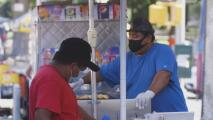 Vendedores ambulantes en Nueva York que no han recibido ayudas piden no ser olvidados en medio de la pandemia