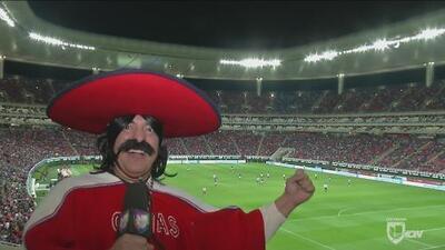 Kevin Arnulfo se fue al estadio Chivas en busca del 'Gullit' Peña