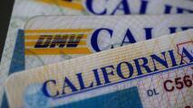 Usan mensajes de texto para pedir información del Real ID, pero el DMV dice que es una estafa