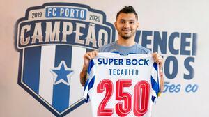 Porto celebra los 250 juegos de 'Tecatito' en sus redes sociales