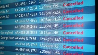 Más de 1,100 vuelos cancelados en aeropuertos de Chicago
