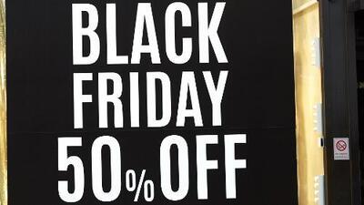 Inicia la jornada de Viernes Negro en el sur de Florida con miles de ofertas para compradores