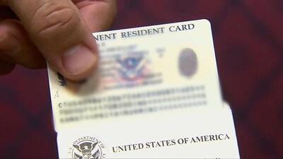 Abogada de inmigración resuelve dudas sobre a quiénes afectan las nuevas reglas de carga pública