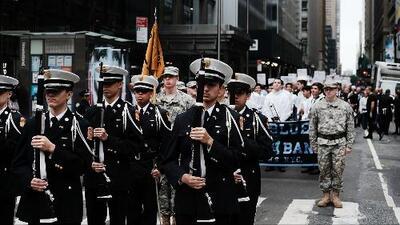 ¿Cómo funciona el programa de la Marina ROTC para jóvenes de secundaria y cuáles son sus beneficios?
