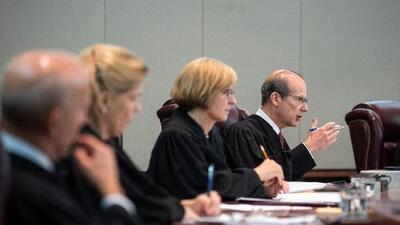 """Renuncia el juez de Nueva Jersey que exculpó a un adolescente acusado de violación al alegar que era de una """"buena familia"""""""