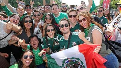 ¡Fiestón! Más de 5 mil mexicanos recorrieron Moscú por el Tri