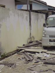 Presuntos militantes extremistas detonaron bombas suicidas y abrieron fuego contra las fuerzas de seguridad durante redada nocturna en una casa cerca del poblado de Sainthamaruthu, municipio de mayoría musulmana en la costa este de Sri Lanka.
