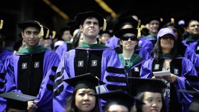 Las universidades cada vez son más caras y eso es una mala noticia para las minorías como los latinos