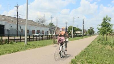¿Crees que las bicis no son para ciudades calurosas? Mira cómo este sendero está cambiando Nueva Orleans