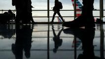 ¿Puede una persona beneficiaria de DACA salir del país? Una experta explica este tema